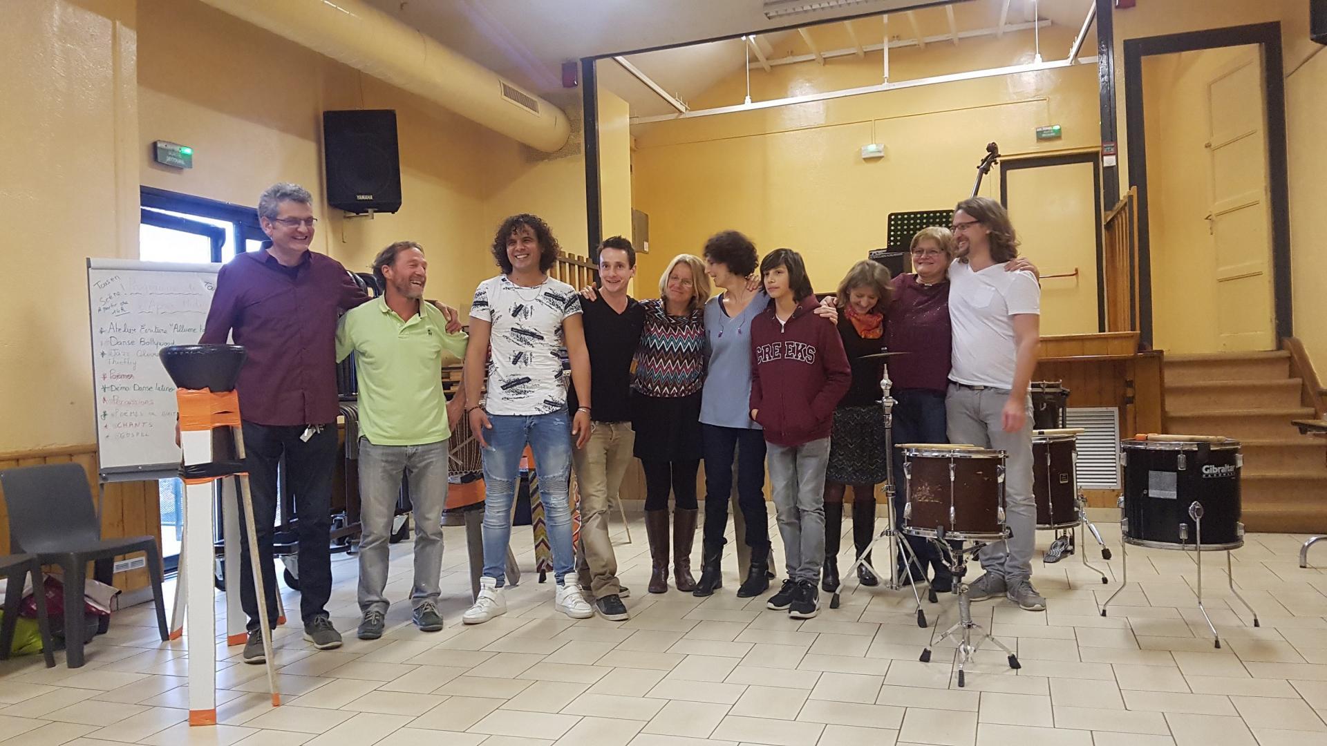 Photo de groupe : HEUREUX!!