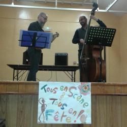 Jazz à la contrebasse et guitare